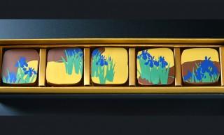 まさに琳派なスイーツ!神坂雪佳の名作「燕子花図屏風」がモチーフのチョコレートが登場
