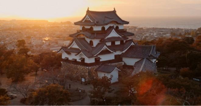 これぞ国宝!彦根城をドローンで空撮した築城410年祭のPV第2段映像が神秘的