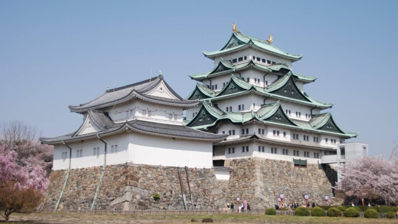 木で築城するよ!鉄筋コンクリートの名古屋城・天守閣が木造で再建されることに!