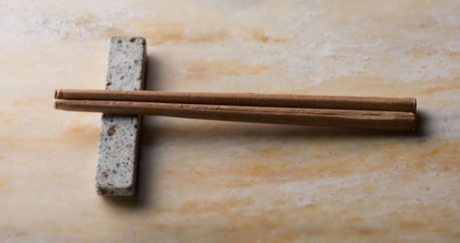 畳味とな!?熊本県産いぐさ100%使用の本当に「食べられるお箸(畳味)」誕生