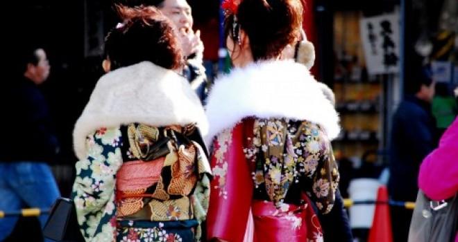 未婚女性の第一礼装「振袖」に年齢制限はあるの?振袖は何歳までOK?