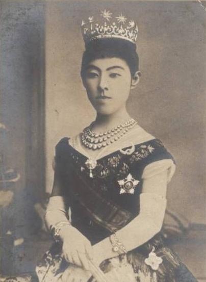明治神宮に祀られる昭憲皇太后はなぜ「昭憲皇后」ではなく「皇太后 ...