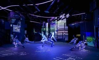 2日間限定!伝統芸能・狂言の野村万蔵とLEDダンスパフォーマンスが融合するステージが面白そう