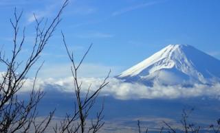 箱根の名物あれこれ。駅伝観戦のあとはグルメ、温泉、工芸品で箱根満喫!