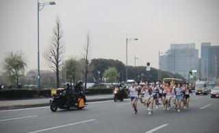 お正月の箱根駅伝は関東の「地方大会」。なんで全国大会にならないの?
