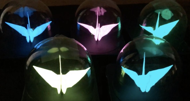日本伝統の遊びが革新技術を手に入れた!折り鶴が美しく発光する「光る折り紙プロジェクト」