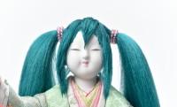 見よこの膨よかさ!職人が真剣に伝統工芸 木目込み人形の「初音ミク」を作ってみた