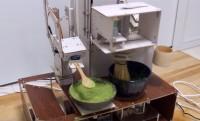 侘び寂びいずこ(笑)本格的な茶道をする時間がない人にぴったり「茶道ロボ 151A」のメカメカしさよ