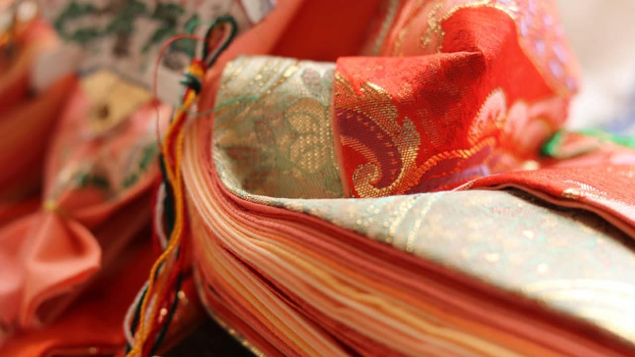十二単だけではない。小袿、細長、壺装束…平安時代の女性の装束あれこれ