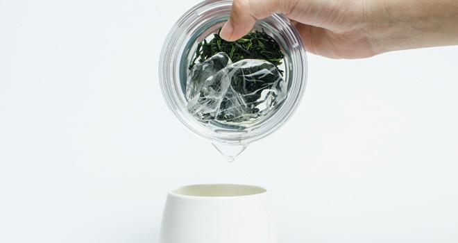 究極シンプルにお茶を淹れる。「透明急須」は現代のライフスタイルに合わせデザインされた急須
