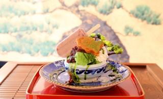 お、おぉ…鯛焼きや小豆バーをドーン!盆栽がモチーフ「盆栽パフェ」のインパクトよ
