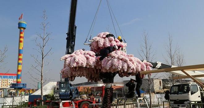 使ったレゴ80万個超!圧巻、世界最大のレゴでできた桜の木の制作の様子を動画で!