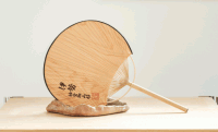 伊勢神宮の神域内で時を刻んだ御山杉を使った「常若うちわ」が素敵すぎる!