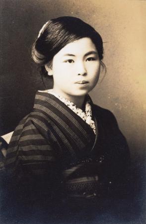 金子みすゞ(写真提供:金子みすゞ著作保存会)