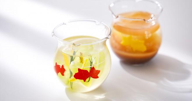涼しげスイーツ♪金魚が舞い泳ぐ金魚鉢をイメージしたグラスデザートが可愛い!