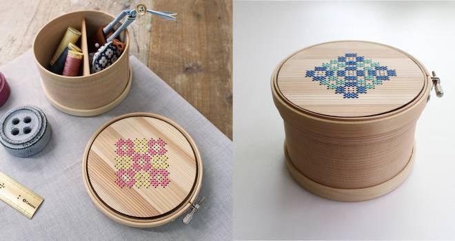 刺しゅう枠が付いてます♪木材とクロスステッチの優しいぬくもりが素敵な「曲げわっぱの道具箱」