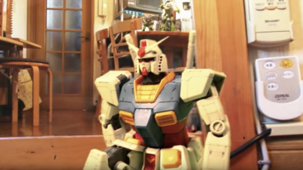 臨場感スゴい!機動戦士ガンダムの名場面がガンプラのストップモーションアニメで現実世界に蘇る驚愕作品!