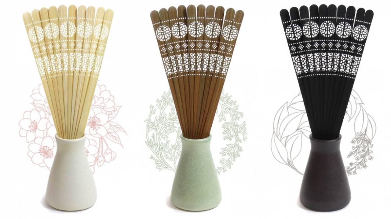 香りと文様を愉しむ、京扇子の繊細な扇骨を利用した「扇ルームフレグランス かざ」が美しい
