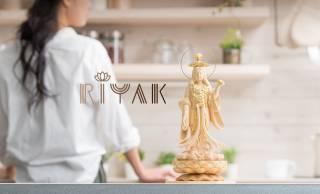 いつかは本気の仏像!時間の経過で色の深みや艶が愉しめる木製インテリア仏像ブランド「RIYAK」誕生