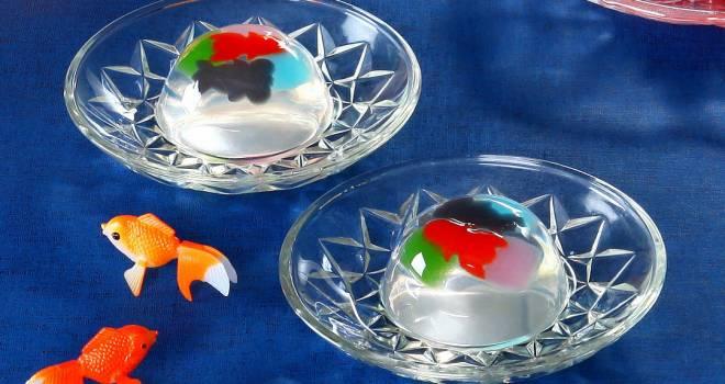 夏の風情を感じます。ゆらゆらと涼しげに泳ぐ金魚をイメージした和菓子「金魚すくい」が素敵