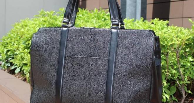 甲冑の装飾にも使われる本漆革を使った、大人の男の上質なビジネスバッグが素敵だ!