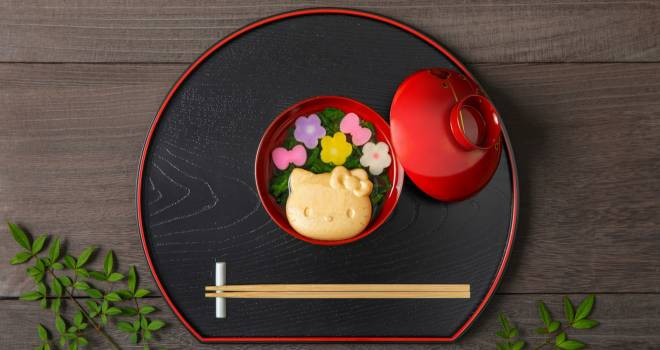 ハローキティのふやきが入った色鮮やかな味噌汁&おすましセットが可愛すぎる!
