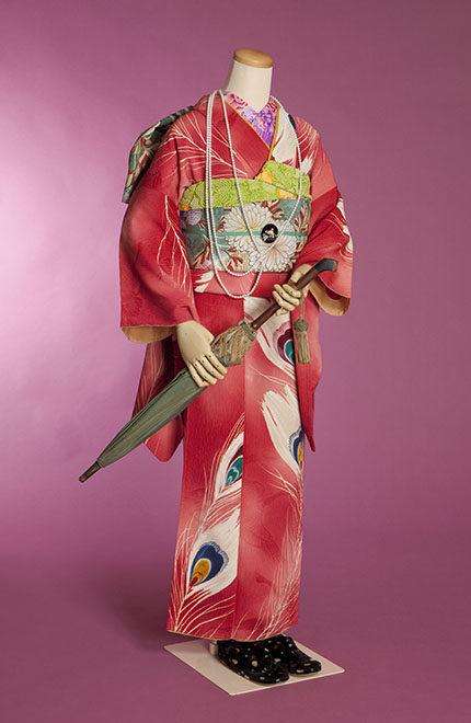 谷崎 潤一郎 文学 の 着物 を 見る