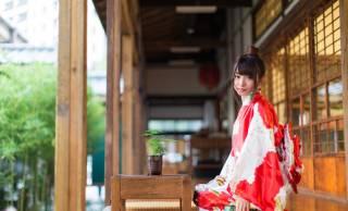 正座は日本の伝統的な座り方ではなかった?なぜ「日本人の正しい座り方」になったのか?