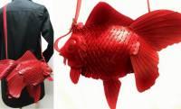 どんだけ可愛いの〜っ!高級感もあって大きな尾びれも可愛いレザーの金魚バッグが素敵!