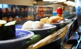 日本初のファストフード店は「回転寿司」。ではドライブ・スルーの発祥はどこ?