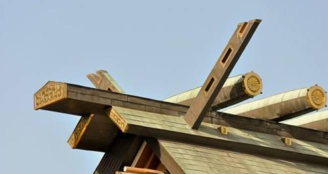 神社に行ったら屋根を見てみて!お参りが楽しくなる豆知識「千木」と「鰹木」を知る