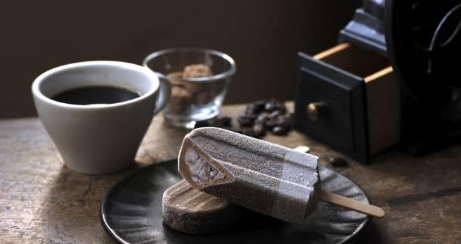 なんかオシャレ!井村屋あずきバーとほろ苦コーヒーを合わせ進化した「コーヒーあずきバー」発売!