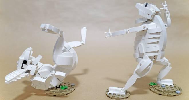 躍動感そのままに!国宝・鳥獣戯画のあの名シーンをレゴで再現した作品が秀逸です!