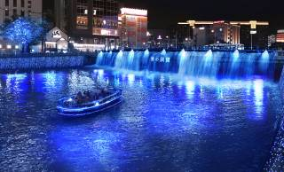 幻想的な青の世界でロマンチックなクルージング「青の洞窟 FUKUOKA」が開催!