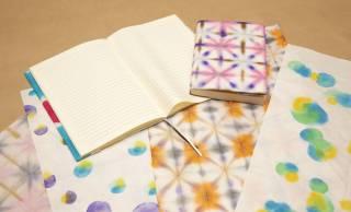 手軽で面白そう♪伝統的な和紙を使って和紙の手染めが楽しめる「和紙の手染めキット」
