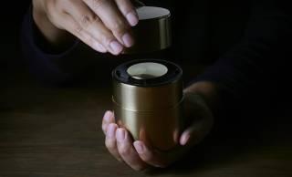 京都の茶筒がスピーカーに!日本の手仕事とテクノロジーが融合したワイヤレススピーカーが美しい