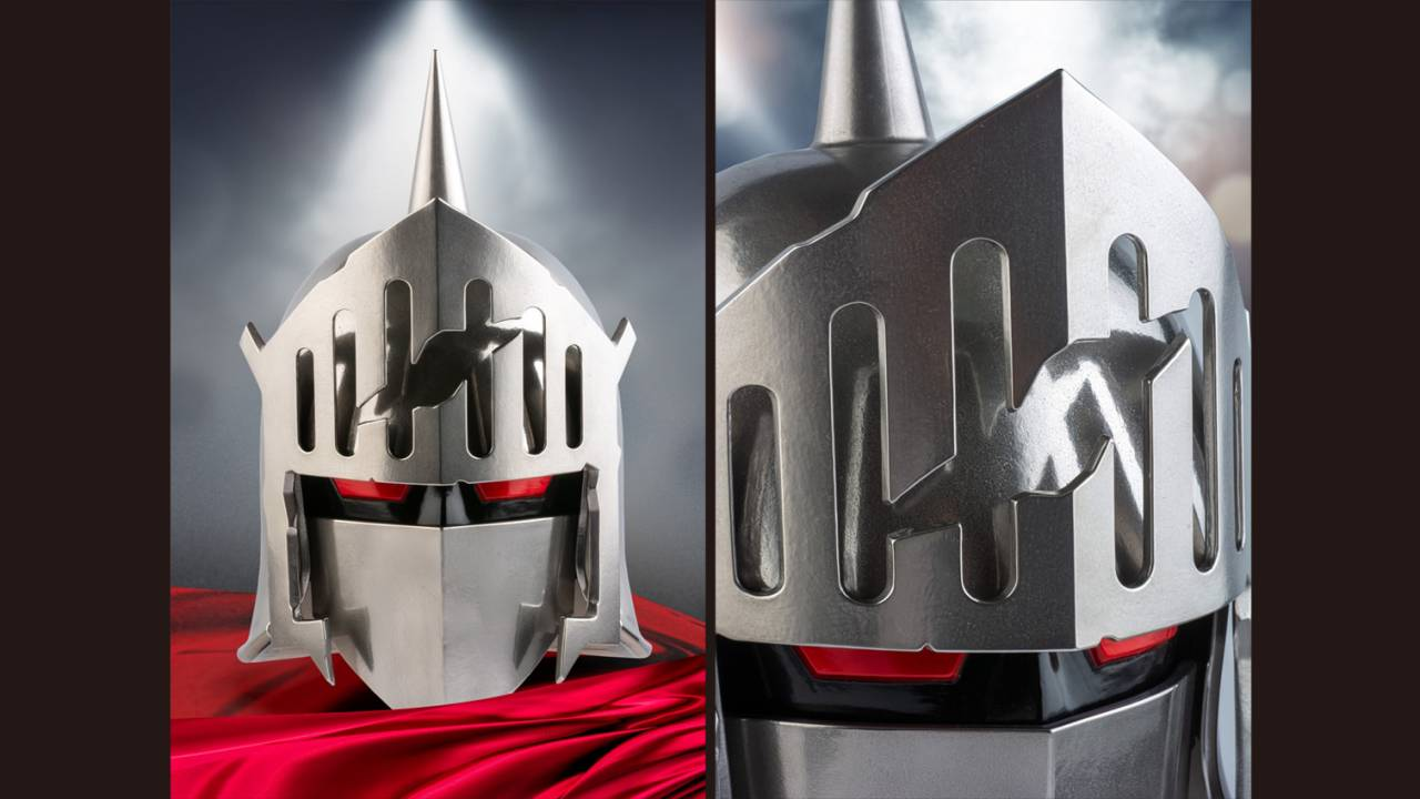 本物と見紛うばかり!重量約7Kgの鋼製1/1スケールロビンマスクのキズありVer.が発売!