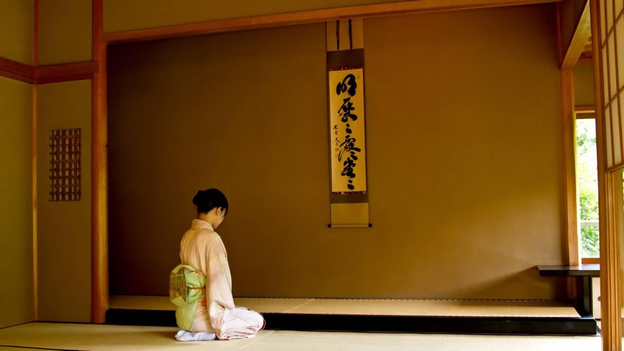 昔の日本ではきちんとした座り方ではなかった「正座」が丁寧な作法に取り入れられた理由