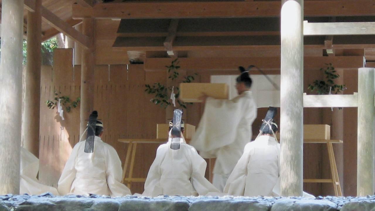 敬語の始まりは日本古代にまで遡る?神事で使われていた言葉「祝詞」