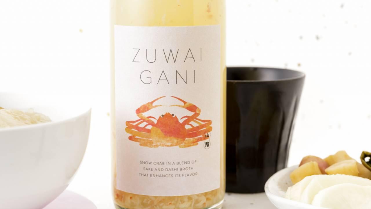 食後の〆はカニ雑炊に!ホット専用のズワイガニのお酒「ZUWAIGANI」発売
