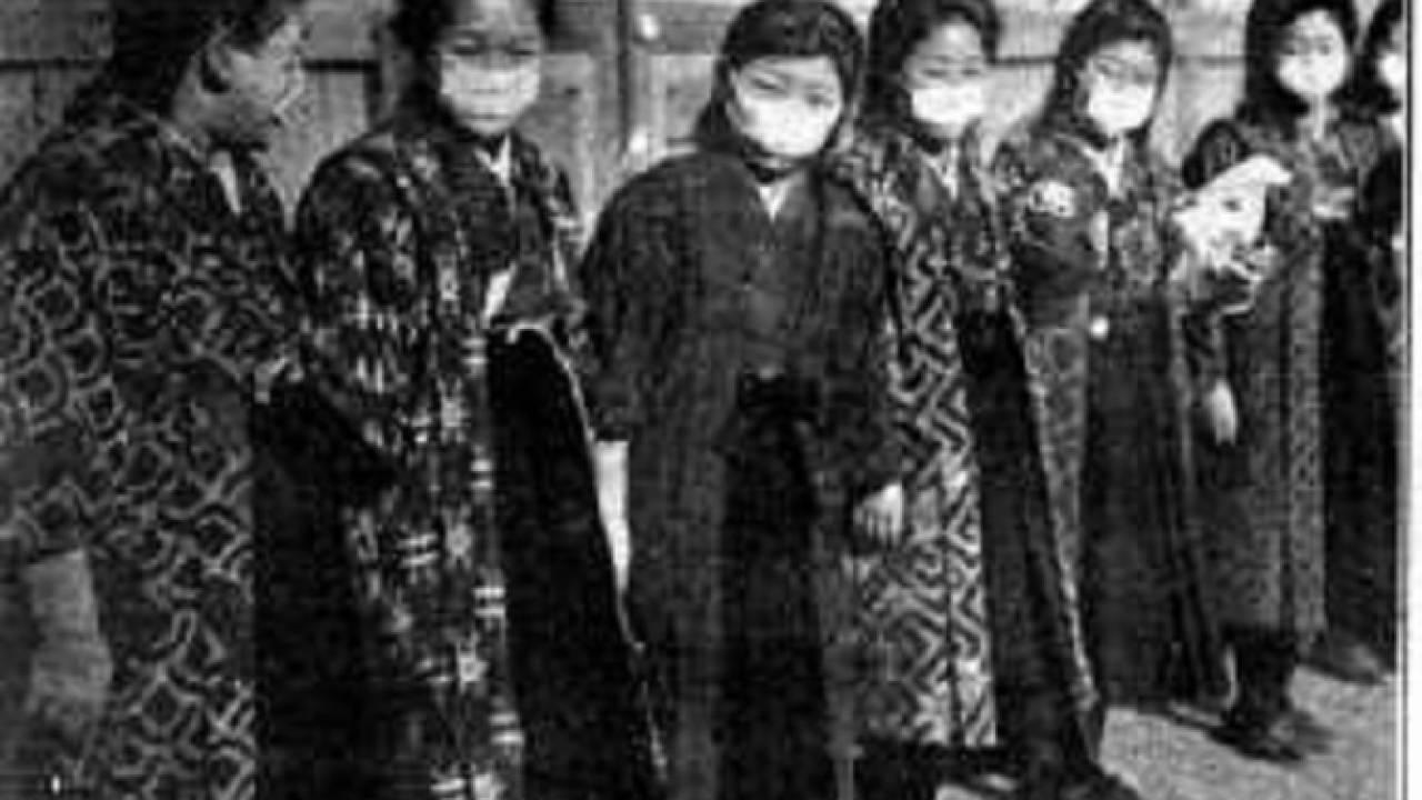 日本でマスクが一般化したのは大正時代。工場用マスクから時代を経て形を変えていったマスクの歴史