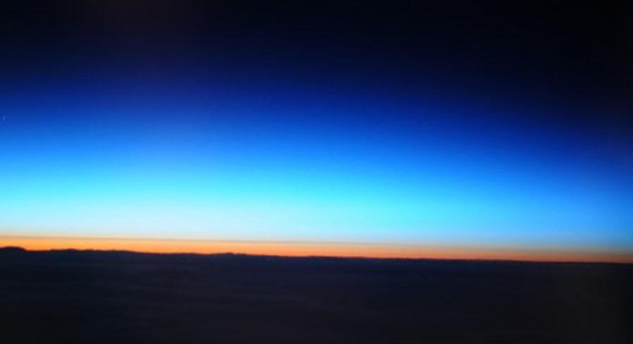 日の出の図