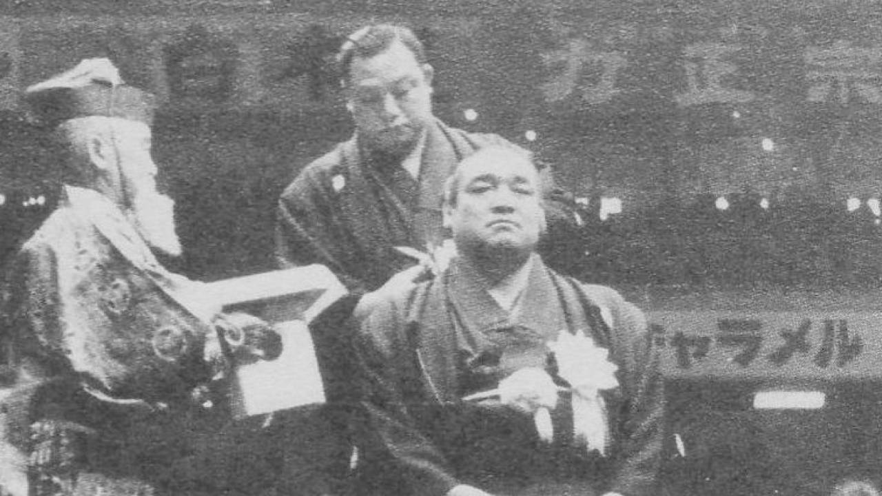 かつて大相撲の断髪式は土俵に直接正座して行っていたって知ってた!?