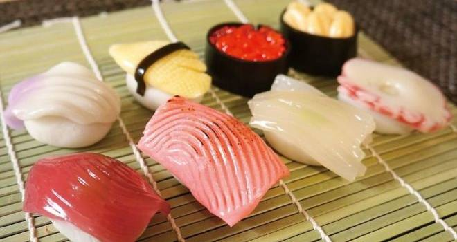 本物のお寿司にしか見えないけど…実はこれ、和菓子なんです♡