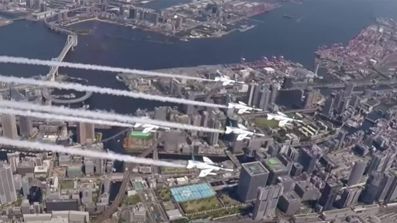 上空からの映像も満載!航空自衛隊がブルーインパルス都心飛行の様子をYoutubeで公開