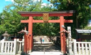 夏にぴったり、ご神体への供物が氷!?東大寺わきにひっそり佇む「氷室神社」