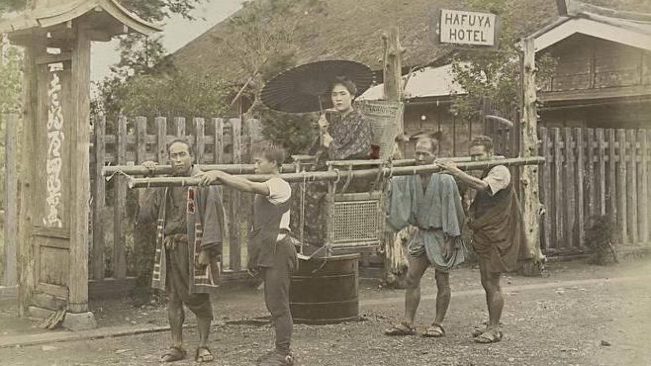 庶民の足としても使われていた、江戸時代版タクシー「駕籠(かご)」の歴史