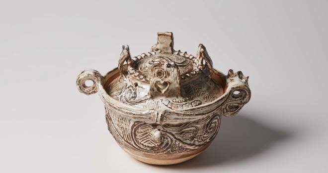 考古学ファン感涙!縄文土器をイメージしたラブリーすぎる土鍋「JOMONごはん鍋」爆誕