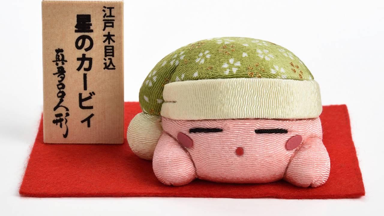 人気ゲームシリーズ「星のカービィ」のカービィが伝統工芸・江戸木目込み人形になって発売!