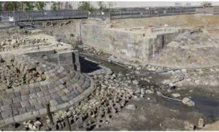 約150年前の明治初期に構築された「高輪築堤」が高輪ゲートウェイ駅前の再開発中に出土